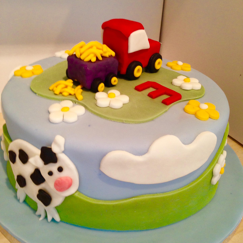 Surprising Wedding Cakes Celebration Birthday Cakes High Wycombe Bucks Funny Birthday Cards Online Unhofree Goldxyz
